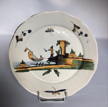 Assiette XVIIIe de Nevers ou La Rochelle