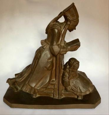 Femme de Plougastel en prière et son enfant par Sévellec
