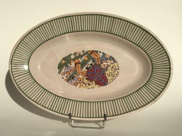 Plat ovale à décor de galathée par Mathurin Méheut