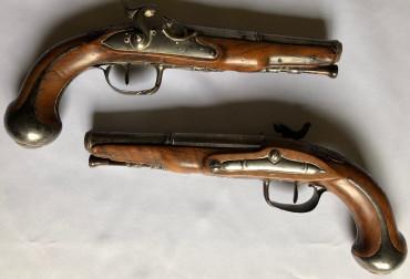 Paire de pistolets d'arçon XVIIIe