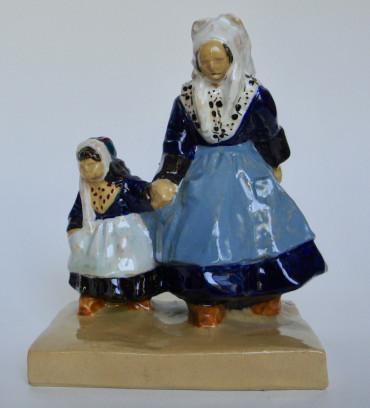 Femme de Plougastel et son enfant par Sévellec